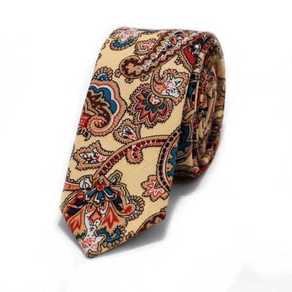 Maslová kravata so vzorom