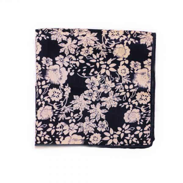 Modro-biela kvetovaná vreckovka