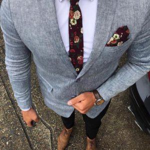 Rozkvitni vo svojom outfite. Kvety ako najnovší trend v doplnkoch pánskej oblekovej módy.