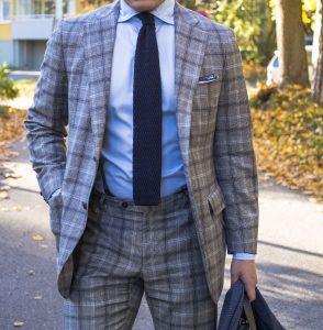Ponožková kravata? Elegantný a kvalitný štýl pre muža, ktorý sa chce odlíšiť.