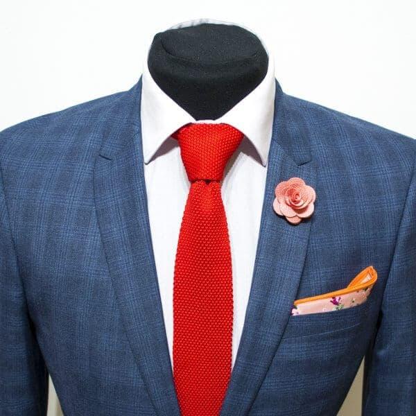 Červená pletená kravata Knitted