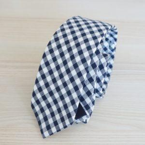Tmavomodrá károvaná kravata bavlnená